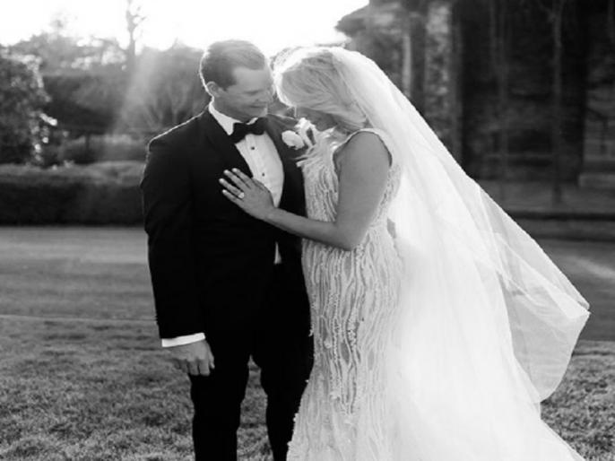 steve smith gets married to his girlfriend dani willis shares photo on social media | बैन झेल रहे स्मिथ ने शुरू की जिंदगी की नई पारी, सोशल मीडिया पर किया ये खास ऐलान