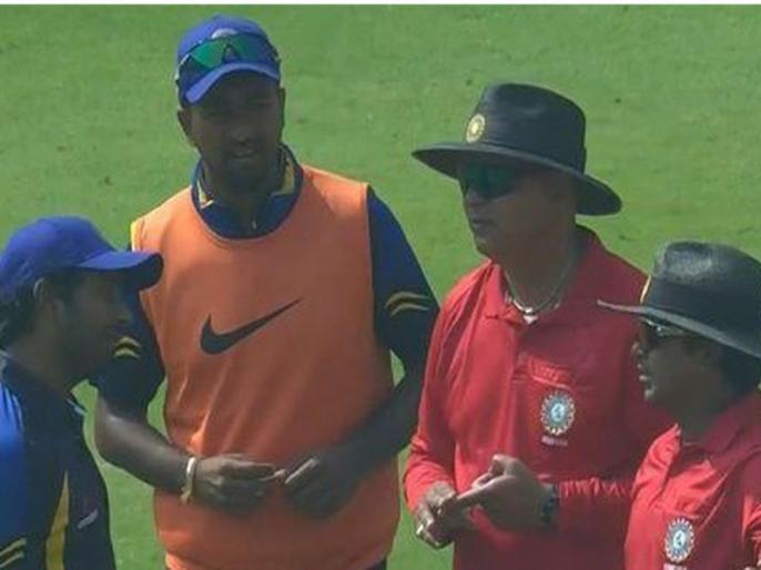 ambati rayudu suspended for two match by bcci | रायुडू को महंगा पड़ा अंपायरों से उलझना, बीसीसीआई ने सस्पेंड किया