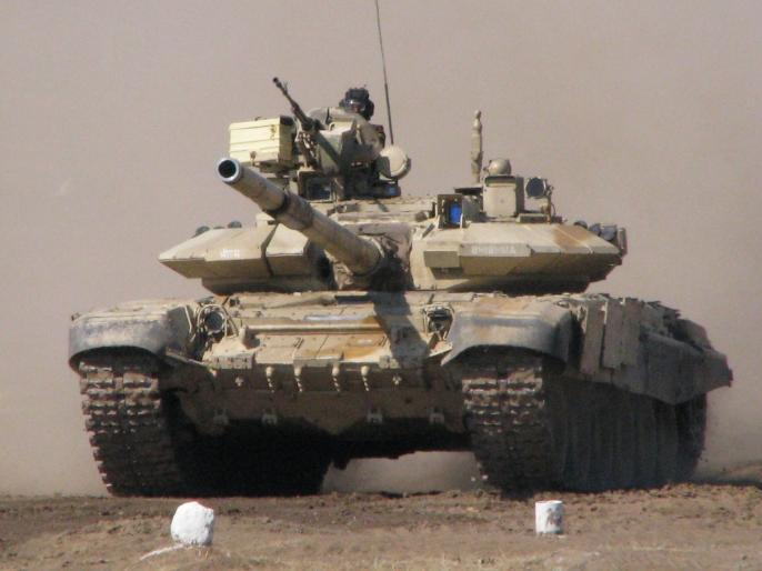 Indian Army deploys T-90 tanks in Galwan Valley to combat China's aggression at LAC | चीन के आक्रामक रुख के बाद भारत ने गलवान घाटी में तैनात किए टी-90 मिसाइल फायरिंग टैंक!