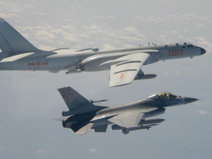 Chinese fighter aircraft enter Taiwan airspace US minister opposes China on visit to Taipei | चीनी लड़ाकू विमान ताइवान के हवाई क्षेत्र में घुसे, अमेरिकी मंत्री की ताइपेयात्रा पर चीन का विरोध