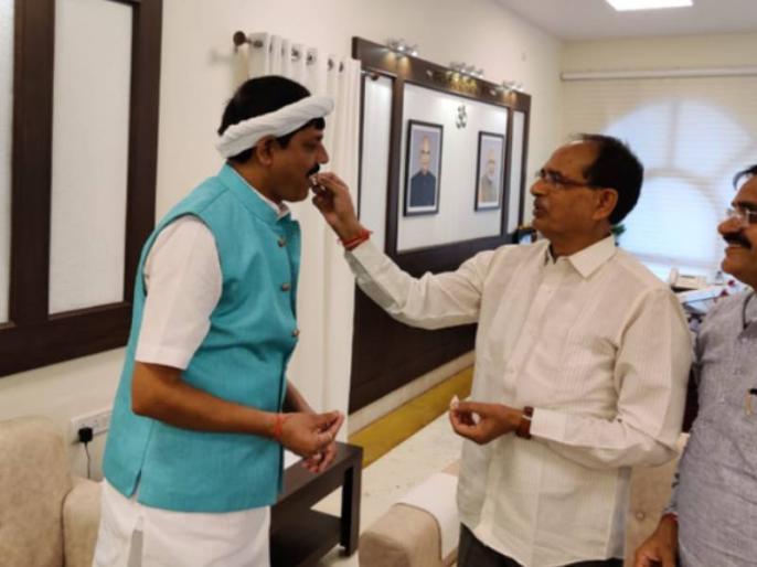 in Madhya Pradesh Pradhyuman Singh Lodhi Congress MLA join Bharatiya Janata Party BJP | मध्य प्रदेश में कांग्रेस को एक और झटका, कांग्रेस विधायक प्रद्युम्न सिंह लोधी BJP में शामिल