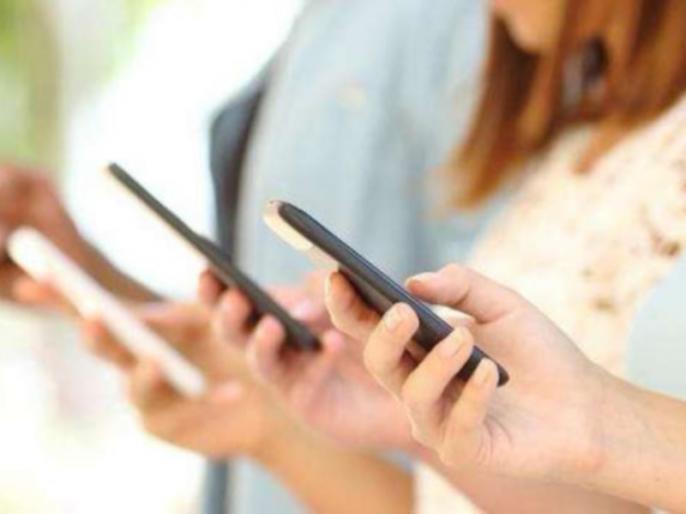 Revenue of telecom companies will increase by 7% in the current fiscal: Crisil | चालू वित्त वर्ष में दूरसंचार कंपनियों की आय सात प्रतिशत बढ़ेगी : क्रिसिल