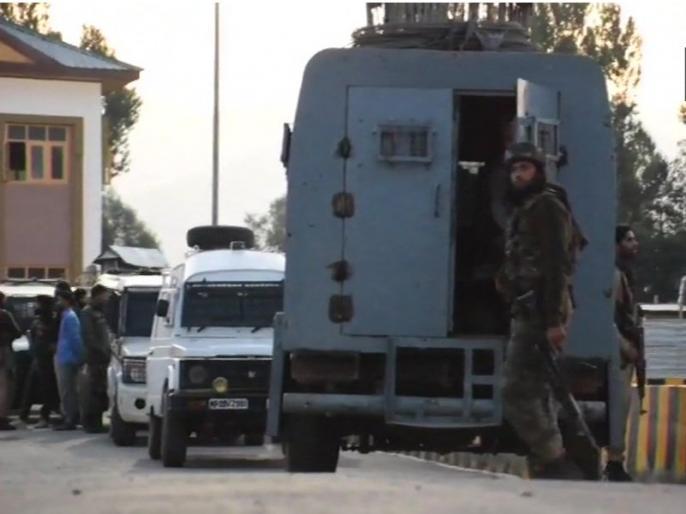 Jammu Kashmir: Fresh firing begins between security forces and terrorists in Bandipora, Two terrorists have been killed | जम्मू कश्मीरः बांदीपुरा में सोमवार सुबह सुरक्षाकर्मियों को सफलता, मुठभेड़ में ढेर किए दो आतंकी