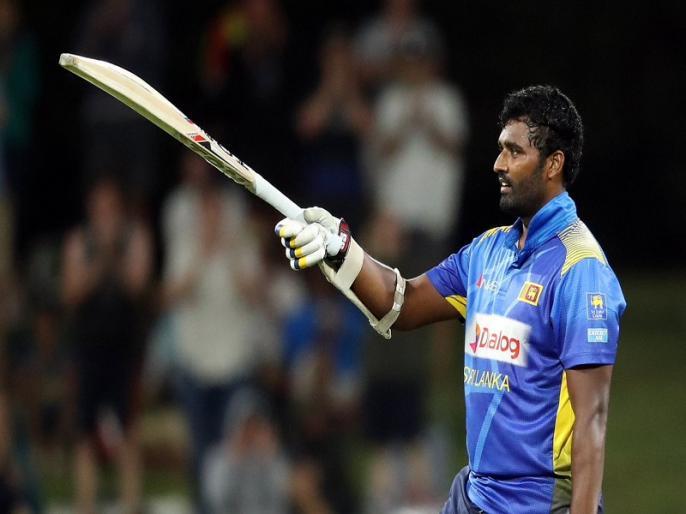 Thisara Perera scores 74-ball 140 but Sri Lanka loses 2nd odi by 21 runs, as New Zealand seal Series | NZ vs SL: तिसारा परेरा ने 13 छक्के जड़ते हुए 74 गेंदों में ठोक डाले 140 रन, पर न्यूजीलैंड से वनडे सीरीज हारा श्रीलंका