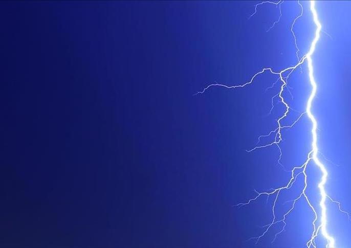 Bihar: 17 killed due to lightning, many scorched   बिहार: आकाशीय बिजली गिरने से हुई 17 लोगों की मौत, कई लोग झुलसे, पेड़ के नीचे दबकर 6 पुलिसकर्मी घायल