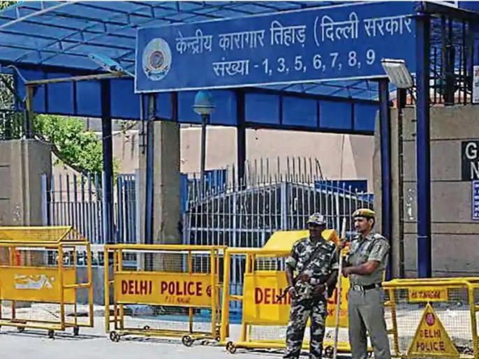 Delhi Tihar Jail prisoner stabbed to death by another inmate | सबसे सुरक्षित तिहाड़ जेल में कैदी ने दूसरे कैदी की धारदार नुकीली वस्तु से गोदकर हत्या की