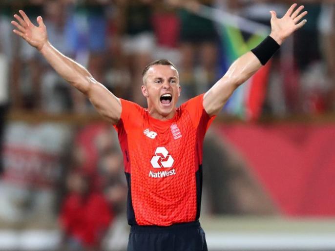 SA vs Eng: England beat South Africa by 2 runs in 2nd T20 | टॉम कर्रन ने इंग्लैंड को दिलाई 2 रन से जीत, साउथ अफ्रीका के खिलाफ 3 मैचों की सीरीज में की 1-1 से बराबरी