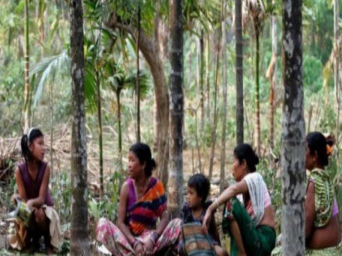 live in Bengal Toto tribe facing troubles in Coronavirus lockdown | कोरोना वायरस लॉकडाउन में परेशानियों का सामना कर रहे बंगाल की टोटो जनजाति