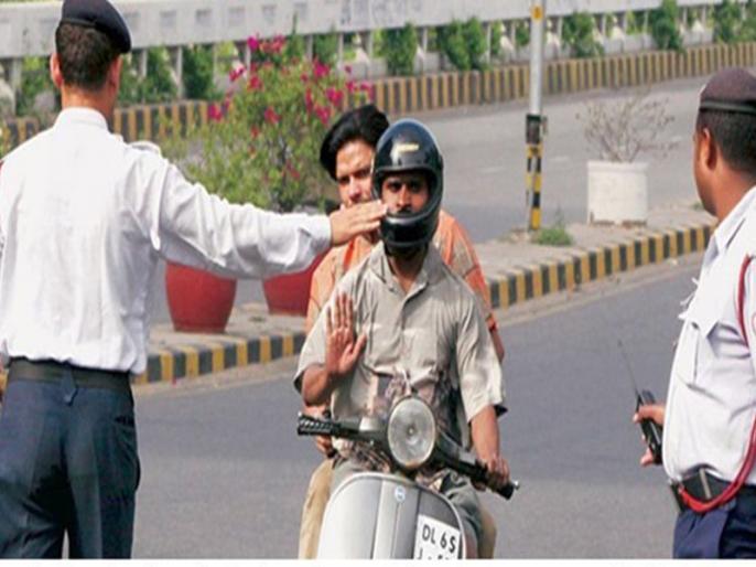 Motor Vehicle Act: Police will not charge fine for violators of traffic rules in Hyderabad | हैदराबाद में यातायात नियम का उल्लंघन करने वालों से जुर्माना नहीं वसूलेगी पुलिस, मदद करेगी