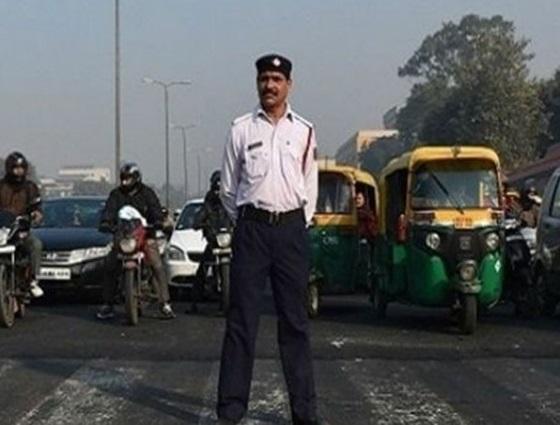 twitter user asks delhi traffic police about Shaheen Bagh Road No 13A know answer | ट्विटर पर दिल्ली ट्रैफिक पुलिस को टैग करके पूछा, शाहीन बाग रोड नंबर 13 A का रास्ता खोल दिया गया है क्या, जानें जवाब