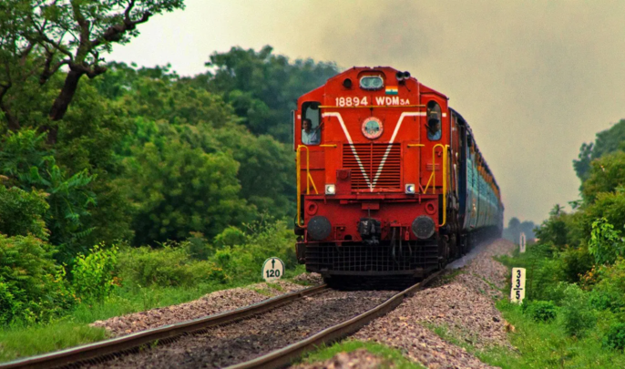 Railway is said too much pressure on the route over route diverted trains in lockdown | लॉकडाउन में रास्ता नहीं भटक रहीं ट्रेनें, भारतीय रेलवे ने बताया रूट पर बहुत ज्यादा दबाव होने की वजह से किया जा रहा है ऐसा
