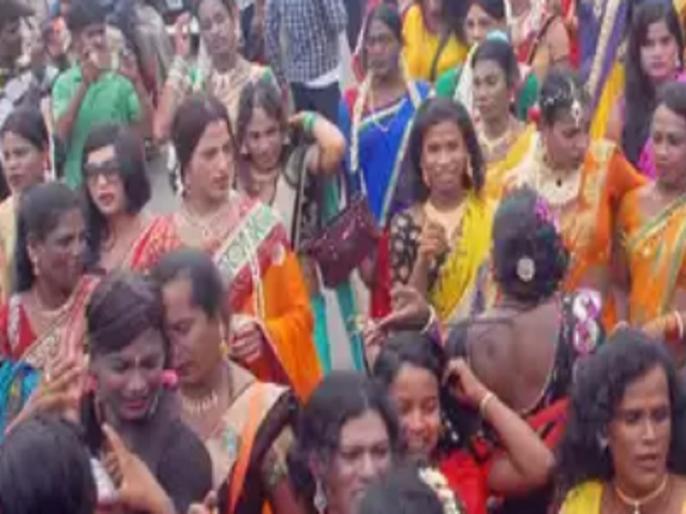 Bihar: angry transgender community on lockdown due to cancellation of booking on wedding   बिहार: कोरोना की वजह से लगे लॉकडाउन से नाराज किन्नरों ने जमकर मचाया उत्पात, उग्र रूप देखकर अधिकारी भी भागे