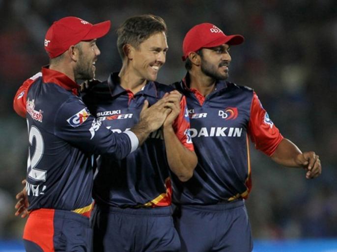 IPL 2018 KKR vs DD: Trent Boult bowls first maiden over of 11th Edition of IPL   इस गेंदबाज ने फेंका IPL 2018 का पहला मेडन ओवर, स्विंग से बल्लेबाज को किया परेशान
