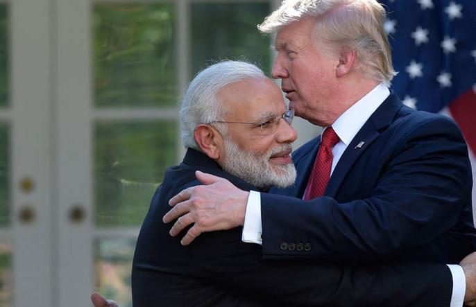 PM Modi retaliates Donald trump in his style, trade war raised between india and America | अमेरिका के ट्रेड वॉर का भारत ने दिया करारा जवाब, 29 अमेरिकी वस्तुओं पर बढ़ाया आयात शुल्क