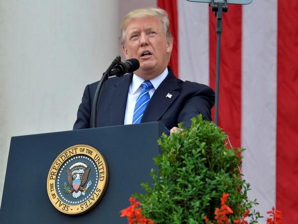 Trumps first election rally after recovering from Corona said Biden entered a corrupt deal to contest | कोरोना से उबरने के बाद ट्रंप की पहली चुनावी रैली, बोले- बाइडेन ने चुनाव लड़ने के लिए एक भ्रष्ट सौदेबाजी की