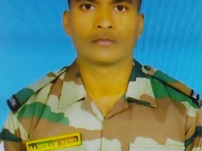 Jammu and KashmirLOC fire Kolhapur Havildar Sangram Patil martyr one injured | एलओसी पर गोलाबारी,कोल्हापुर के हवलदार संग्राम पाटिलशहीद,एक जख्मी