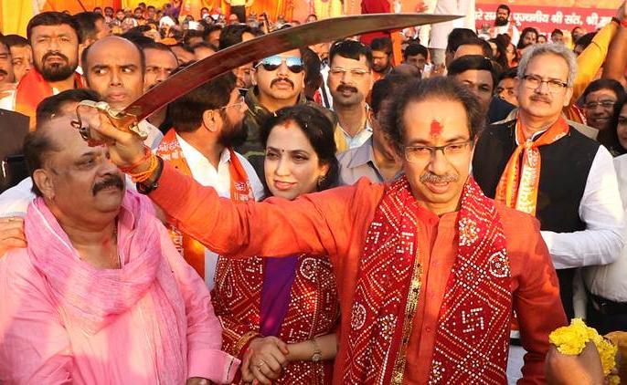 Shiv Sena will snacth Ram Mandir issue from Bjp, Narendra Modi and RSS | शिवसेना प्रमुख उद्धव ठाकरे राम मंदिर के मुद्दे को भाजपा से छिनने में सफल हो पाएंगे?