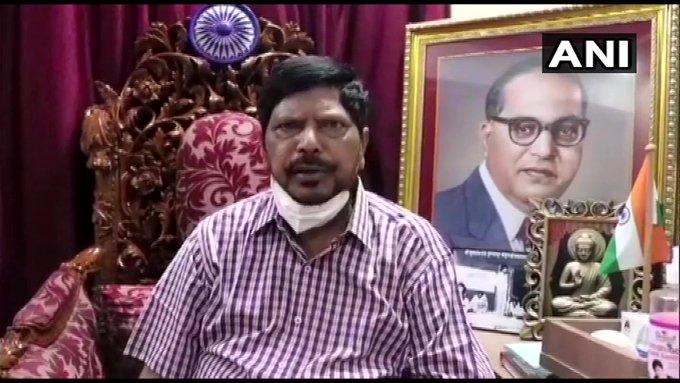 Maharashtra Union Min & RLP leader Ramdas AthawaleNCPSharad Pawar pmNarendra Modi NDAdevelopment | पीएम मोदी करते हैं शरदपवार कासम्मान,केंद्रीय मंत्री आठवले ने कहा-एनडीएमें आइये,देश और महाराष्ट्र दोनों को लाभ