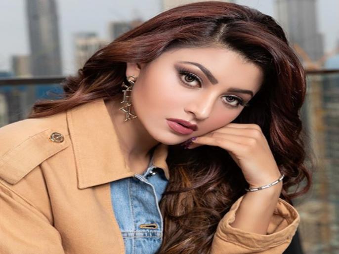corona virus Lockdown bollywood actress Urvashi rautela shares video on social media | लॉकडाउन में फंसे बेसहारा और गरीबों के लिए उर्वशी रौतेला ने उठाई आवाज, सरकार से की ये खास अपील
