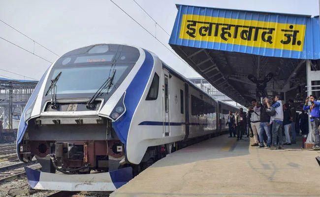 Updated Vande Bharat Express 'Tran 18' with full protection against stone-pelters from April on Indian Railways Tracks   अगले महीने चलेगी दूसरी 'वंदे भारत', देश की सबसे तेज चलने वाली ट्रेन का बाल भी बांका नहीं कर सकते पत्थरबाज