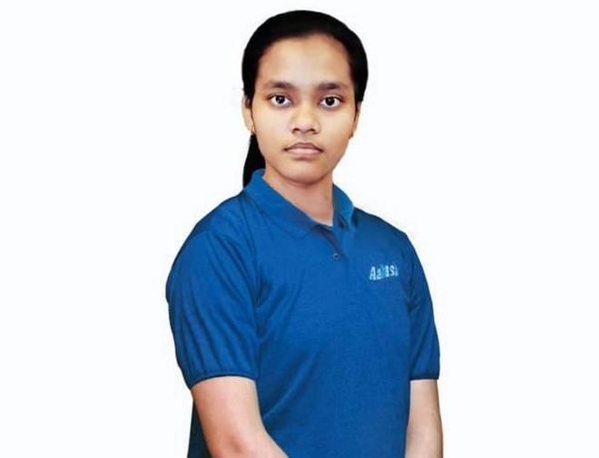 NEET Exam Result 2020: Topper Akansha Singh from delhi scores 720/720, hopes to become neurosurgery researcher, here the details | NEET Result 2020: लड़कियों में आकांक्षा सिंह ने किया टॉप, जानें क्यों 720 में से 720 मार्क्स लाने पर भी मिली सेकेंड रैंक