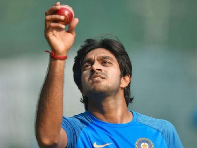 World Cup 2019: Vijay Shankar is okay, assures Jasprit Bumrah as all-rounder skips training after injury scare | ICC World Cup: चोट के बाद कैसी है विजय शंकर की स्थिति, जसप्रीत बुमराह ने कही ये बात