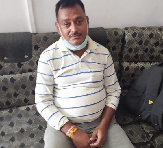 Madhya Pradesh Arrest Vikas Dubey MP Home Minister Congress said this is a game of refuge and surrender | विकास दुबे की गिरफ्तारीः एमपीगृहमंत्री बोले-अरेस्ट,कांग्रेस ने कहा, यह शरण और सरेंडर का खेल है