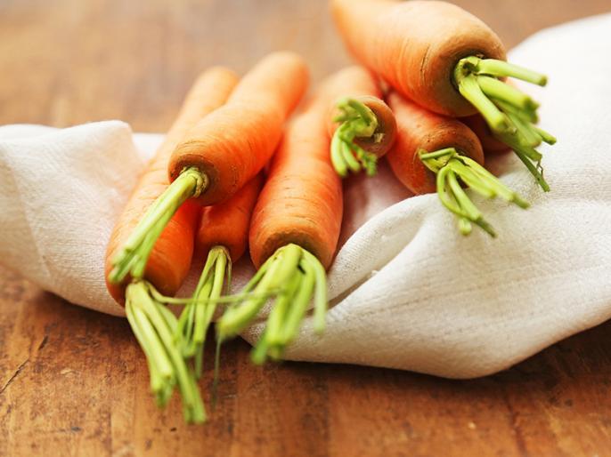 Vitamin A supplements could harm bone health, here some side effects of vitamin a | हड्डियां कमजोर होने का एक बड़ा कारण ये भी, सिरदर्द, दस्त, बाल गिरने, थकावट का भी खतरा