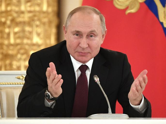 Vladimir Putin's ploy to extend rule backed by Russians | 2036 तक रूस के राष्ट्रपति बने रहेंगे व्लादिमीर पुतिन, जनमत संग्रह में लोगों ने किया संवैधानिक सुधारों का समर्थन