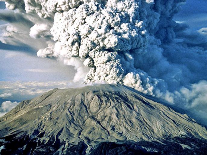 trending viral video: Indonesian Semeru volcano erupts | Video: कभी आपने ज्वालामुखी फटते देखा है?, वीडियो में देखें इंडोनेशिया में 5 किमी ऊपर उठा धुएं का गुबार