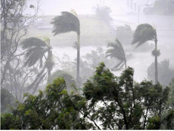 'Hika' storm threat over Gujarat and Maharashtra, wind speed to be 120 km / h | गुजरात व महाराष्ट्र पर 'हिका' तूफान का खतरा, 120 किलोमीटर/घंटा होगी हवा की रफ्तार