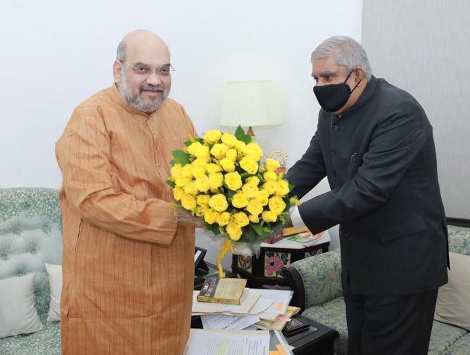 West Bengal Governor Jagdeep Dhankhar Union Home Minister Amit Shah bjp tmc cm Mamata Banerjee   पश्चिम बंगालःतृणमूल कांग्रेस ने कहा-राज्यपाल जगदीप धनखड़ भाजपा के 'लाउडस्पीकर',राजभवन परकलंक