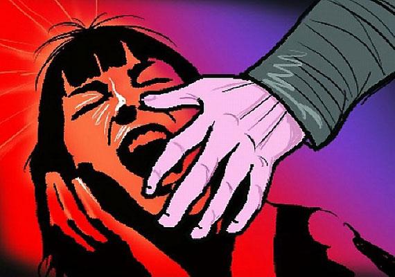 DU student molested, robbed in Ghaziabad autorickshaw | डीयू की छात्रा के साथ लूटपाट, बंधक बनाकर घटना को दिया अंजाम लेकिन नहीं छीना मोबाइल फोन