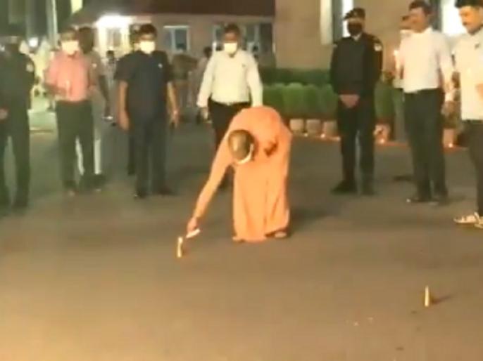 Video: Yogi Adityanath lights firecrackers as part of 'deepotsav.' stone laying ceremony of #RamTemple in Ayodhya earlier today. | Video: राम मंदिर आधारशिला, CM योगी ने 'दीपोत्सव' के अवसर पर जलाए दीये-पटाखे