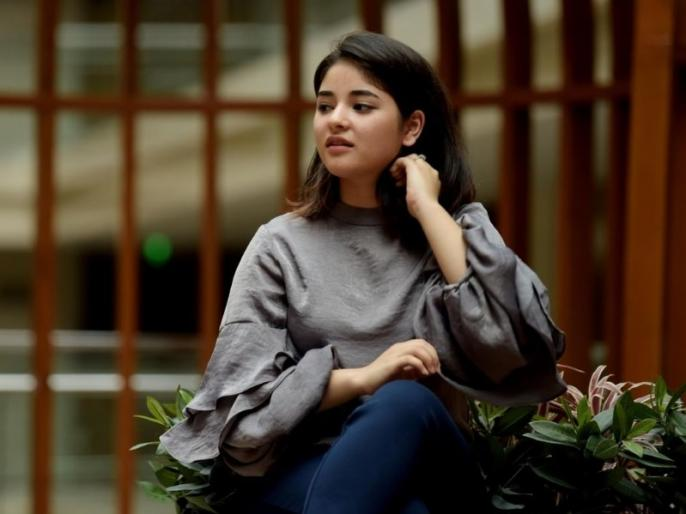 Court sentenced accused for molesting plane with Zaira Wasim   जायरा वसीम के साथ प्लेन में छेड़छाड़ करने वाले आरोपी को कोर्ट ने सुनाई सजा