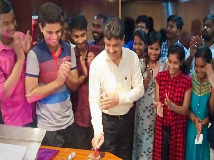 Zindagi foundation: Inspired By Super 30, Odisha Tea-Seller Helps Poor Students Crack NEET   ओडिशा में करवाई जाती है 'सुपर 30' की तर्ज पर गरीब बच्चों को मेडिकल की तैयारी, 'जिंदगी' संवारती है भविष्य