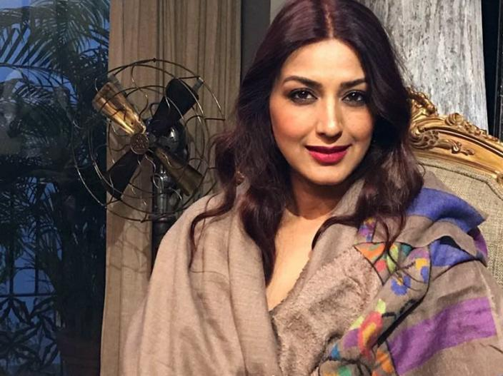 In Pics: sonali bendre and 10 other bollywood stars Who fought against cancer |