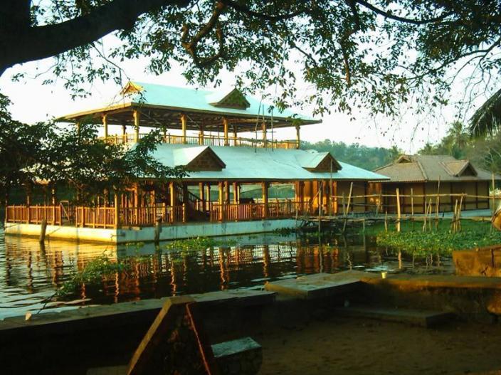 Veli Lake Floating Restaurant, Trivandrum  