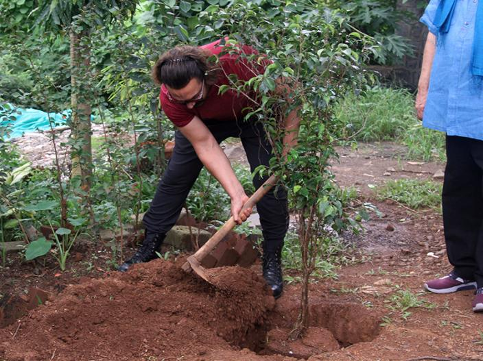 Photos: Thugs of Hindostan Actor Aamir Khan Planting at the Whistling Woods Veda Session at Whistling Woods in goregaon Mumbai |