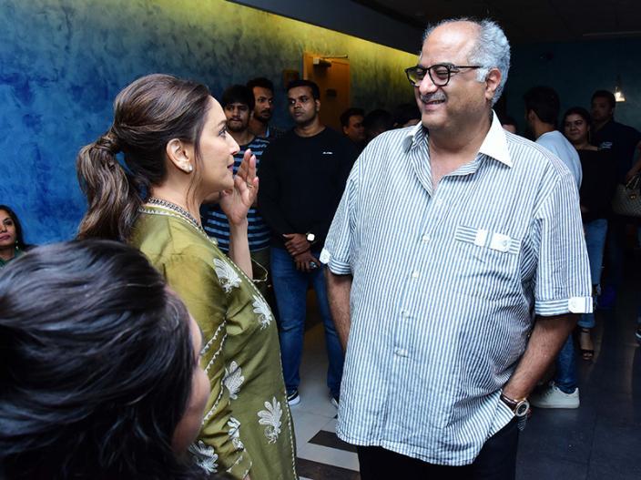 Fanney Khan Screening: aishwarya rai with hubby abhishek bachchan, anil kapoor, madhuri dixit other celebs attend the screening |