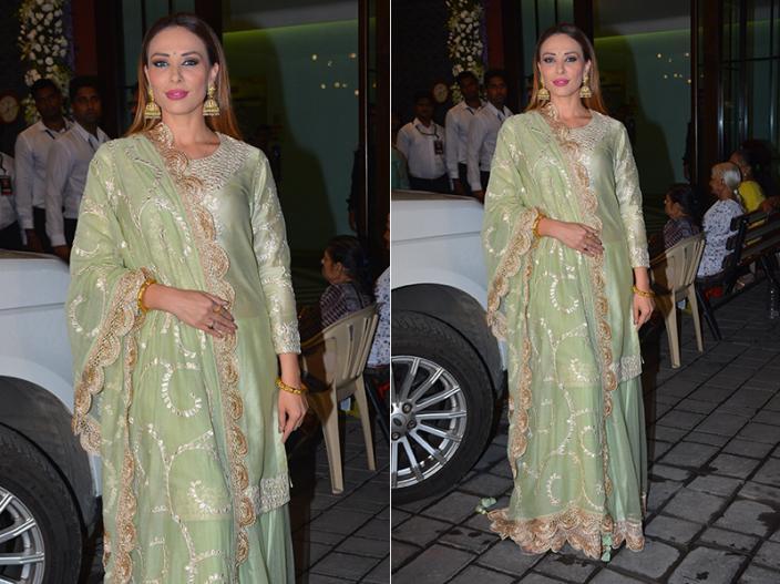 Salman Khan's sister Arpita Khan with husband Aayush Sharma Ganpati Immersion at bandra, See Photos |