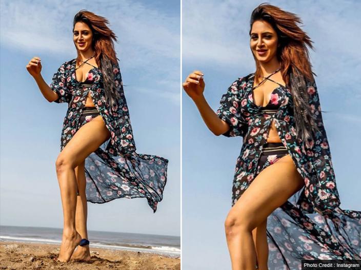 Bigg Boss 11 contestant arshi khan new hot photoshoot goes viral on social media, see Photos Pics |