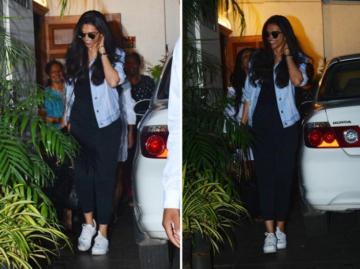 View Photos: Padmaavat Actress Deepika Padukone Cute smile spotted After salon session at Bandra in Mumbai |