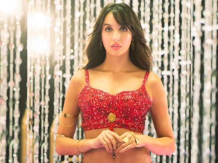 Pics: Nora fatehi item song 'dilbar' in satyameva jayate made record with crosses 100 million views on YouTube |