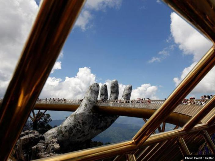 Vietnam's golden bridge in the hands of god photos goes viral on social media, amazing pics |