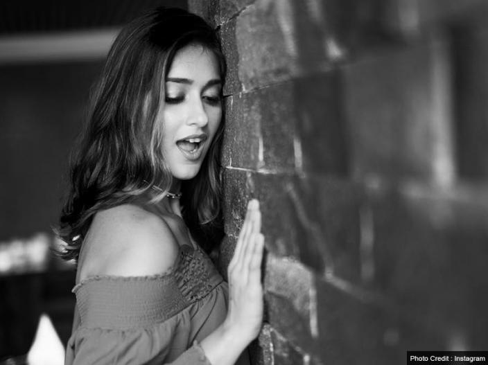 Raid Actress Ileana D'Cruz Share Topless Photos on instagram, Pics Goes Viral |