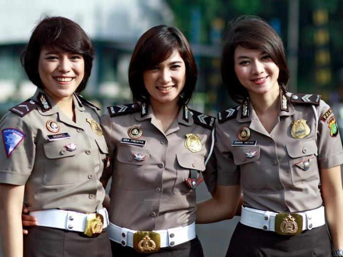 Girls Gives Virginity Tests For Job in indonesia |