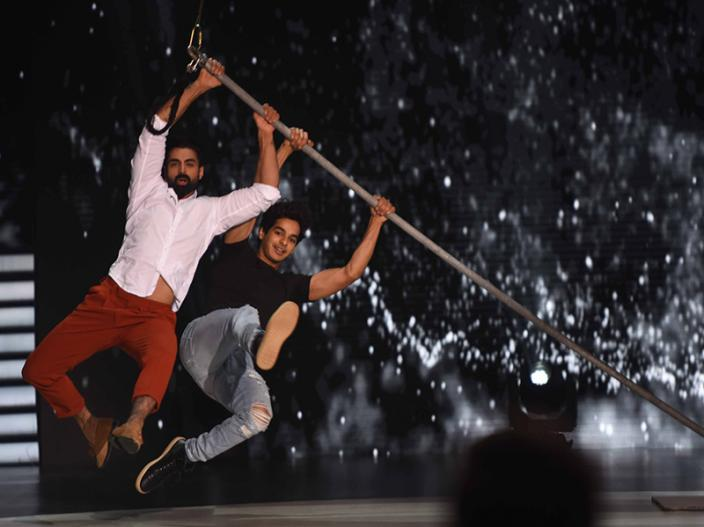 In Pics: Ishaan Khattar & Janhvi Kapoor on the sets of colors Dance Deewane in filmcity Mumbai |