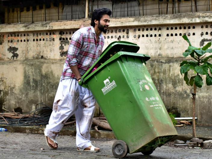 In Photos: Mitron actor Jackky Bhagnani shooting for a film Anandwaa at bandra Mumbai |