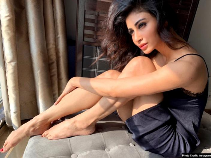 Gold Actress Mouni Roy Share Bold And Sexy Photoshoot Photos On Instagram, Pics Goes Viral |